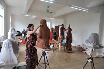 Studio Nong   Working in the Studio